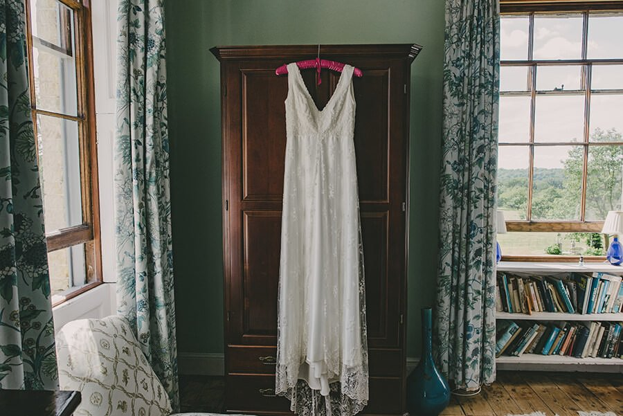 wedding at hill place, hill place hampsire, jacqui mcsweeney photography, joanne fleming dress