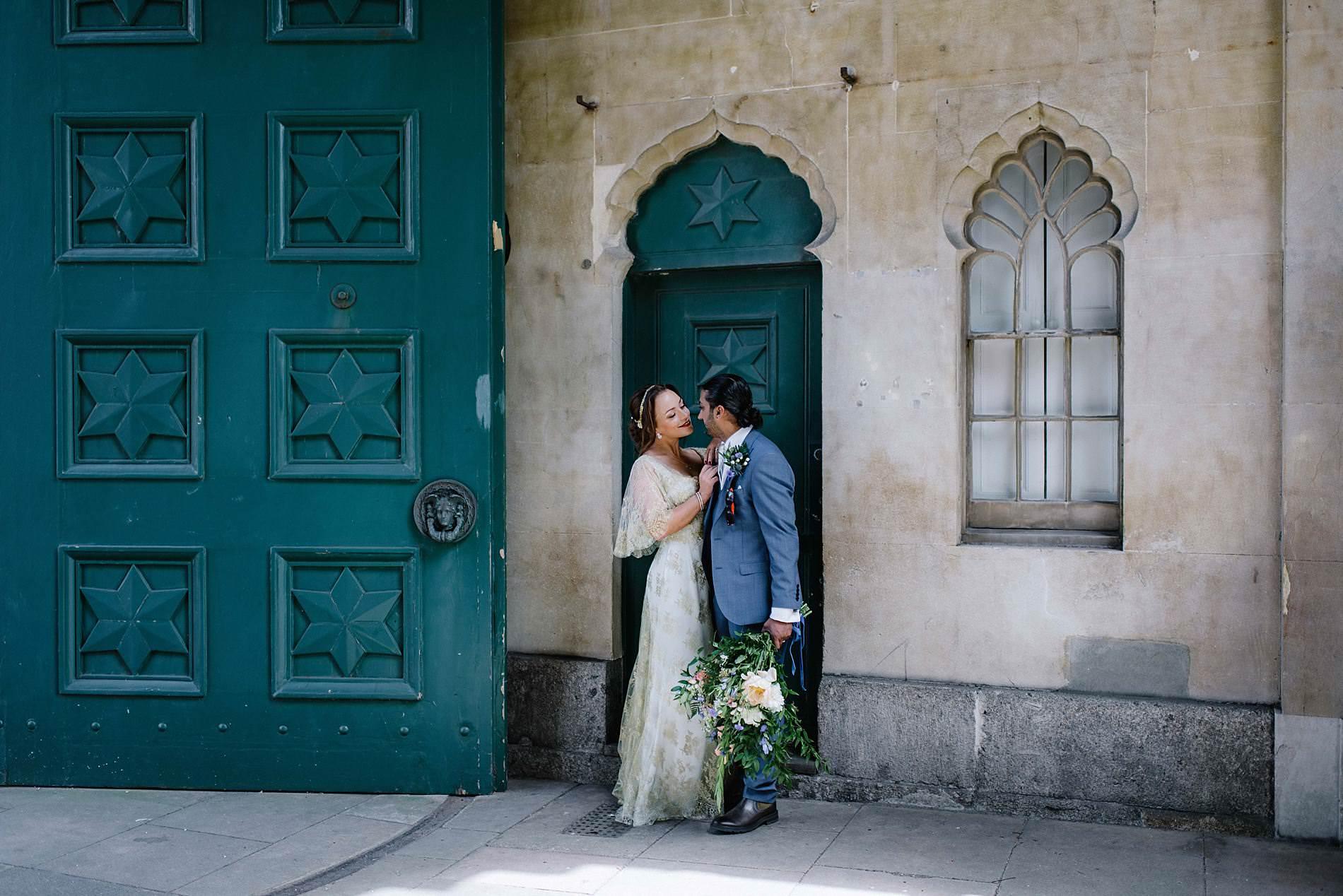bride and groom i regency doorway