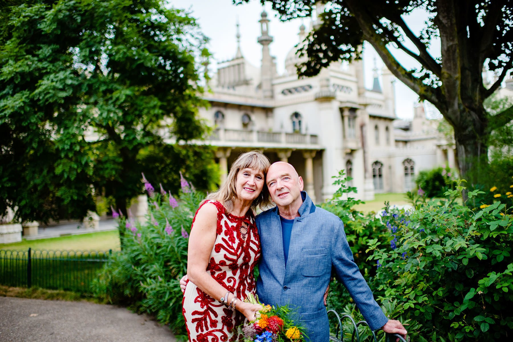 bride and groom in front of royal pavilion Brighton